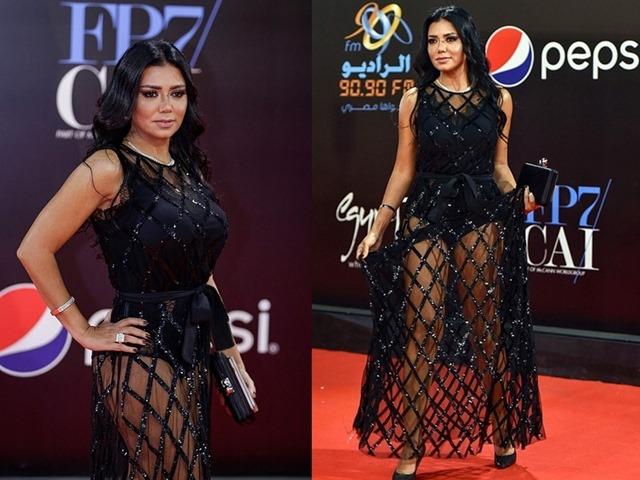 """Mặc váy khoe chân, sao nữ Ai Cập đối mặt nguy cơ """"bóc lịch"""""""