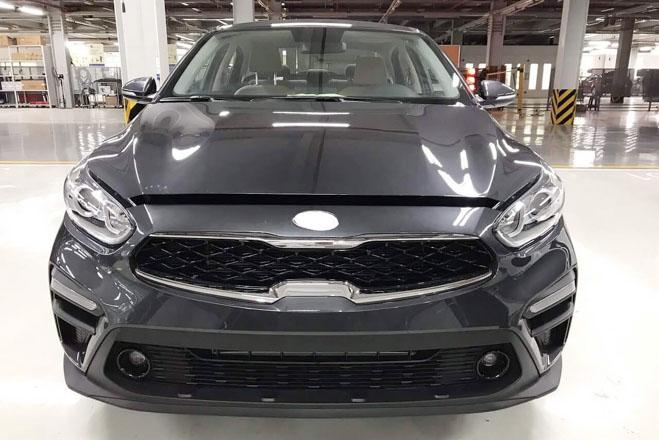 Kia Cerato 2019 tiếp tục lộ ảnh thực tế tại đại lý trước ngày ra mắt - 2
