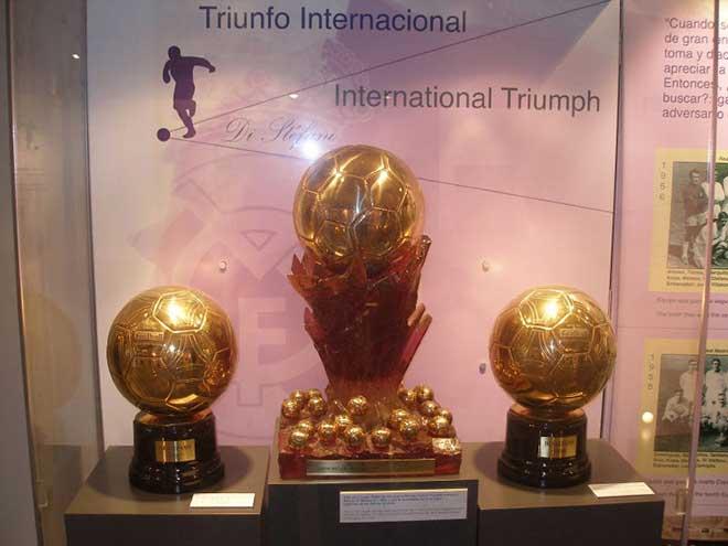 Siêu Quả bóng Vàng 30 năm: Ronaldo hay Messi 5 QBV/người, ai chiến thắng? - 2