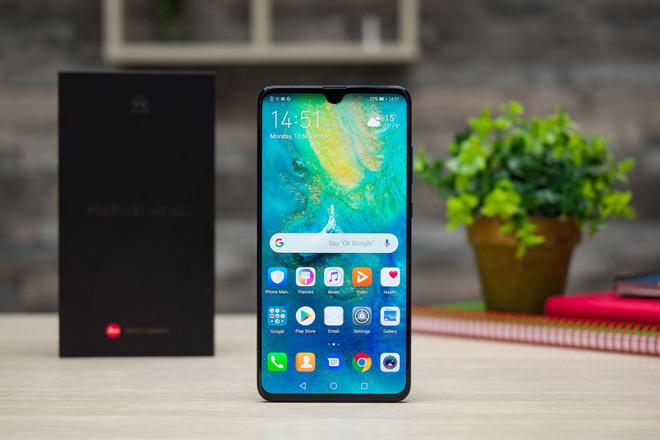 """Top smartphone pin """"trâu"""" nhất năm 2018 - 2"""
