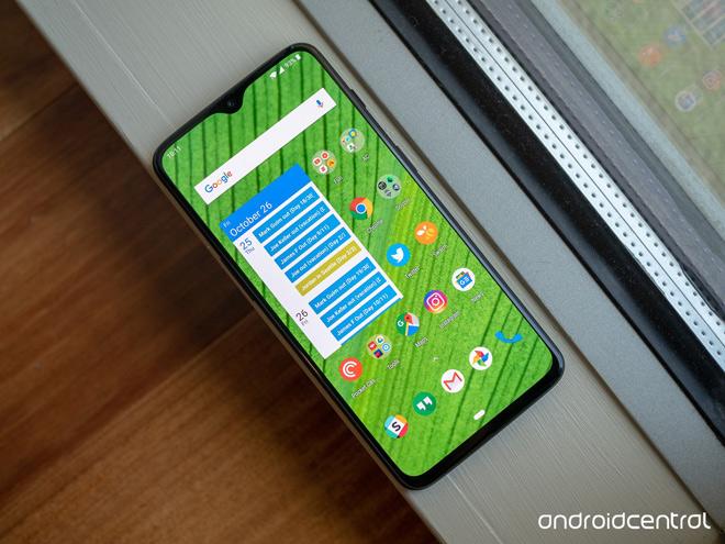 """Top smartphone pin """"trâu"""" nhất năm 2018 - 4"""