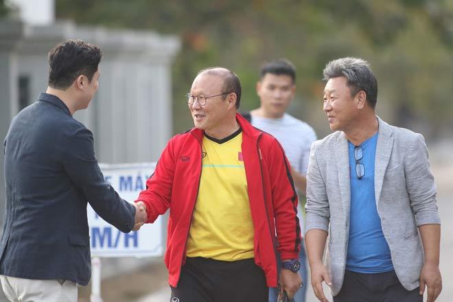 ĐT Việt Nam tập đấu Philippines lượt về: Hùng Dũng chấn thương, thầy Park đăm chiêu - 12