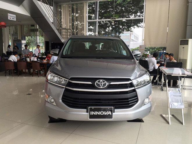 Giá xe Toyota Innova 2019 cập nhật mới nhất - Ưu đãi 30 triệu tiền mặt và 1 năm bảo hiểm thân xe - 2
