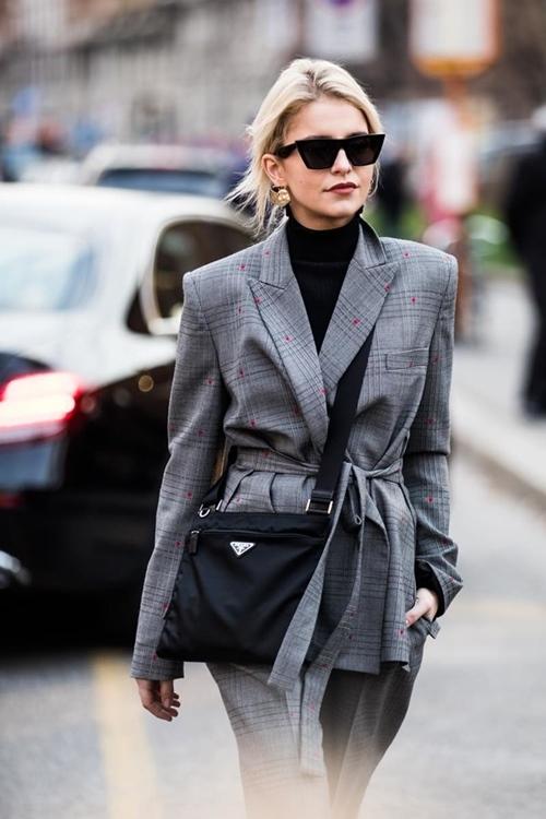 3 gợi ý áo khoác thời thượng giúp nàng công sở thanh lịch tuyệt đối - 12
