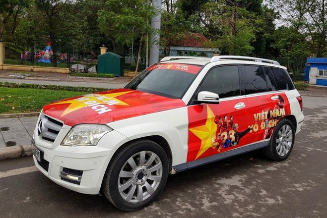 Fan cuồng đội phủ kín xế yêu bằng hình tuyển Việt Nam, mơ vô địch AFF Cup - 10