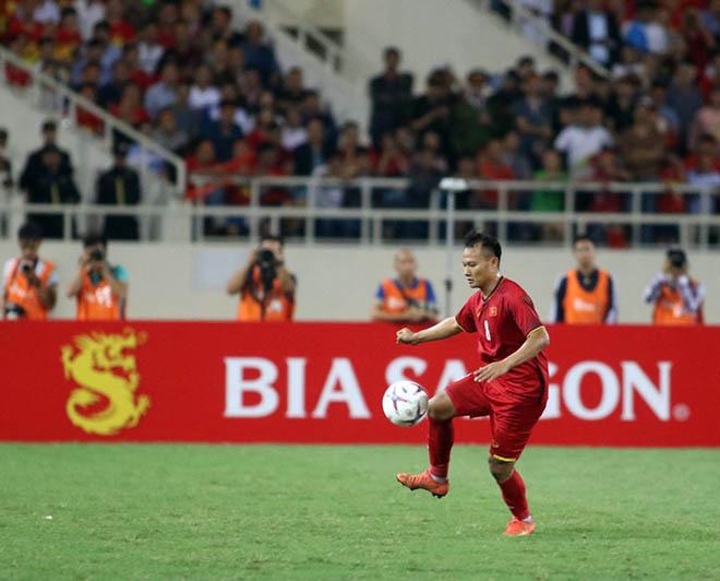 ĐT Việt Nam thẳng tiến vào chung kết: Mở tiệc mừng ở sân Mỹ Đình - 9