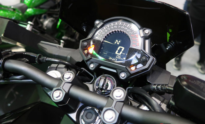 Kawasaki Z400 giá 132 triệu đồng, phái mạnh thao thức - 6