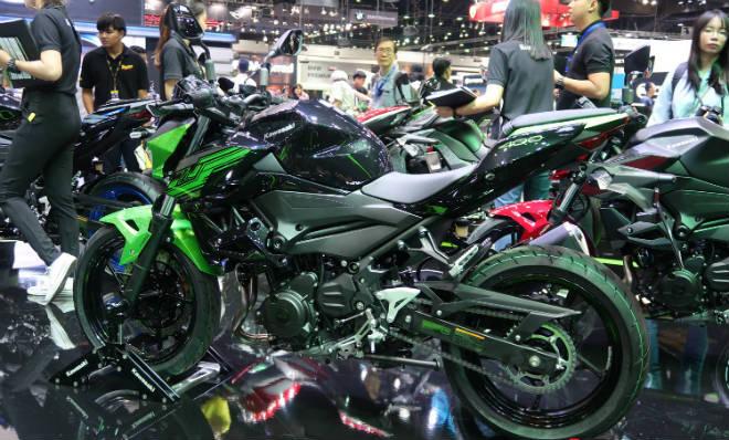 Kawasaki Z400 giá 132 triệu đồng, phái mạnh thao thức - 3
