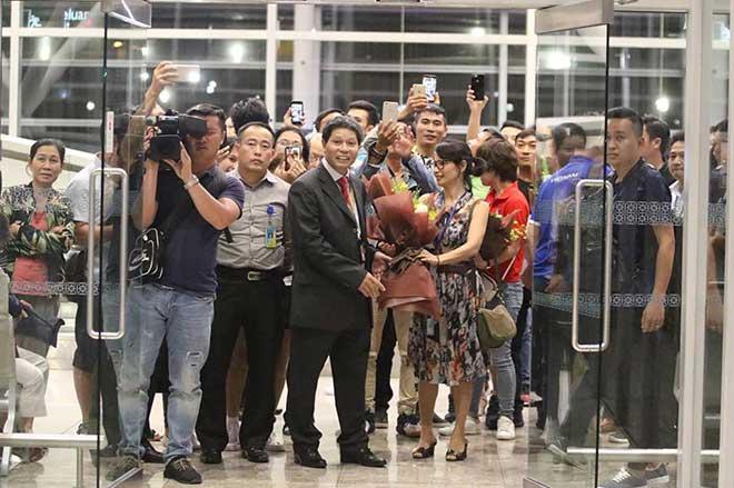 ĐT Việt Nam đã tới Malaysia: Công Phượng rạng rỡ chờ đá chung kết - 2