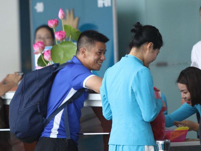 ĐT Việt Nam đã tới Malaysia: Công Phượng rạng rỡ chờ đá chung kết - 11