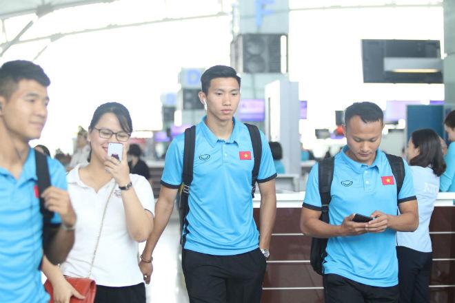 ĐT Việt Nam đã tới Malaysia: Công Phượng rạng rỡ chờ đá chung kết - 5