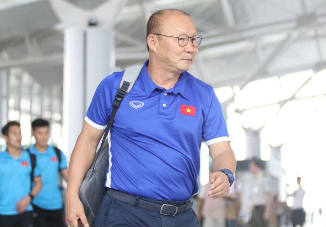 ĐT Việt Nam đã tới Malaysia: Công Phượng rạng rỡ chờ đá chung kết - 8