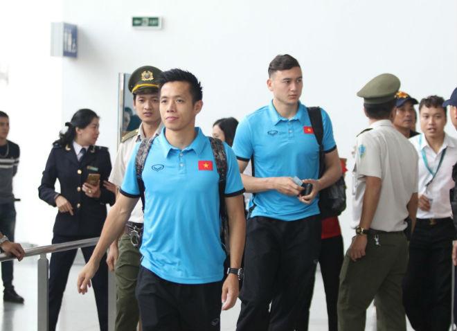 ĐT Việt Nam đã tới Malaysia: Công Phượng rạng rỡ chờ đá chung kết - 7