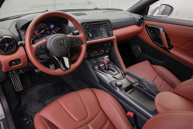"""Nissan giới thiệu """"xế đua"""" GT-R 2019, đi kèm giá bán 2,2 tỷ đồng - 3"""