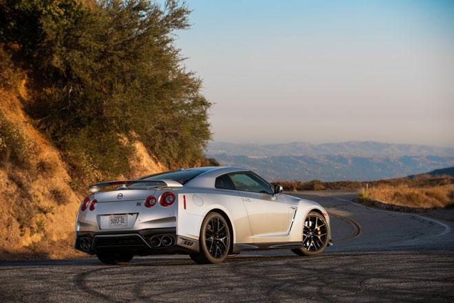 """Nissan giới thiệu """"xế đua"""" GT-R 2019, đi kèm giá bán 2,2 tỷ đồng - 8"""