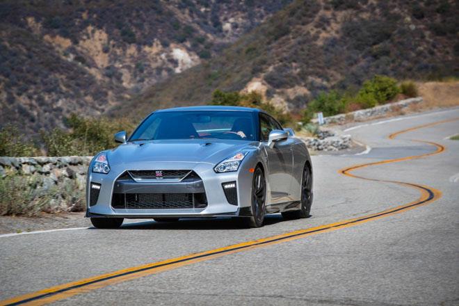 """Nissan giới thiệu """"xế đua"""" GT-R 2019, đi kèm giá bán 2,2 tỷ đồng - 10"""