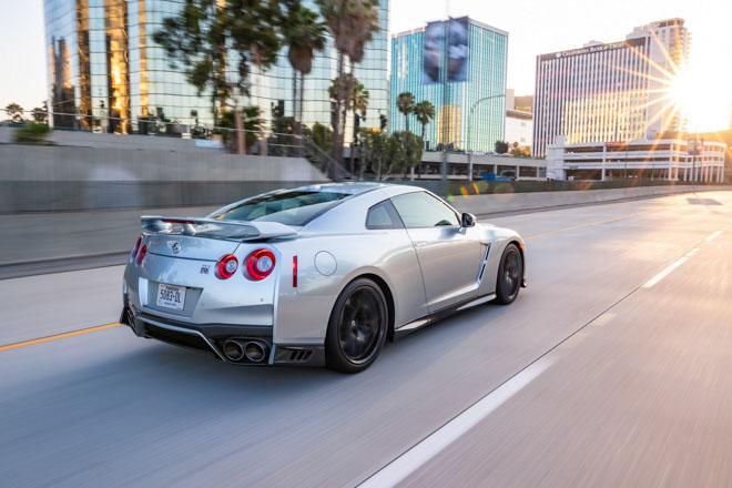 """Nissan giới thiệu """"xế đua"""" GT-R 2019, đi kèm giá bán 2,2 tỷ đồng - 11"""