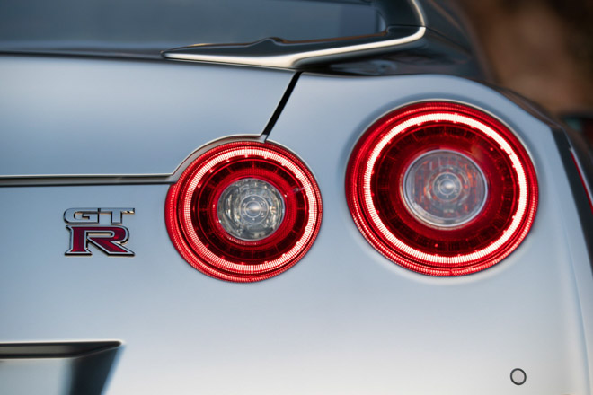 """Nissan giới thiệu """"xế đua"""" GT-R 2019, đi kèm giá bán 2,2 tỷ đồng - 14"""
