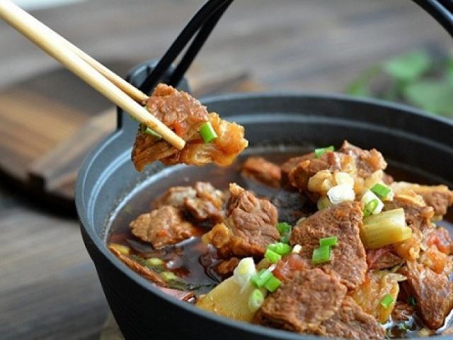 Canh thịt bò ngon đậm đà cho ngày chuyển lạnh