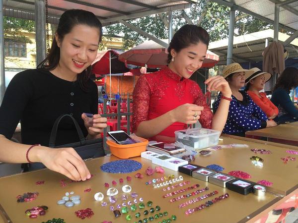Tròn mắt ngắm những viên đá tiền tỷ tại phiên chợ tạm ở Yên Bái - 12