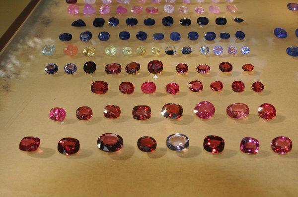 Tròn mắt ngắm những viên đá tiền tỷ tại phiên chợ tạm ở Yên Bái - 6