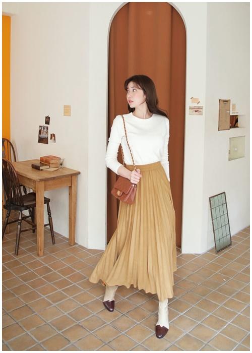 Váy midi: Chiếc váy lãng mạn nhất trong trời se lạnh - 1