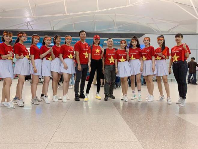 Sao Việt rầm rộ đổ bộ sang Malaysia cổ vũ: Dân mạng bình luận hài hước - 2