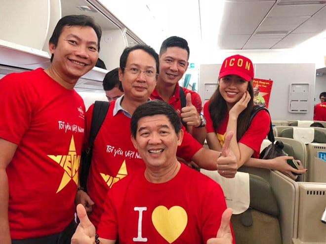 Sao Việt rầm rộ đổ bộ sang Malaysia cổ vũ: Dân mạng bình luận hài hước - 5