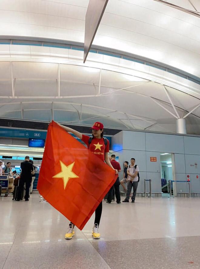 Sao Việt rầm rộ đổ bộ sang Malaysia cổ vũ: Dân mạng bình luận hài hước - 1