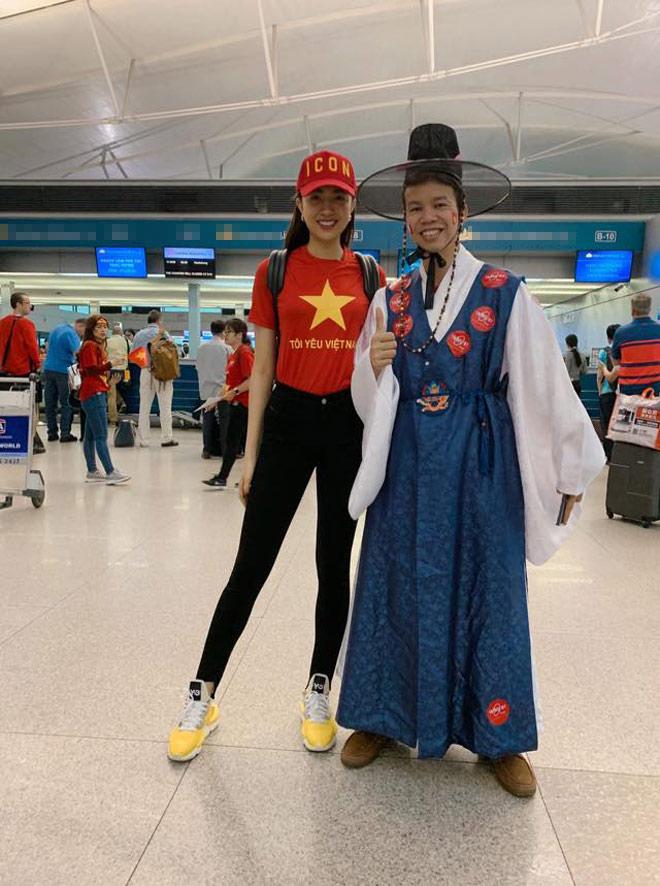 Sao Việt rầm rộ đổ bộ sang Malaysia cổ vũ: Dân mạng bình luận hài hước - 3