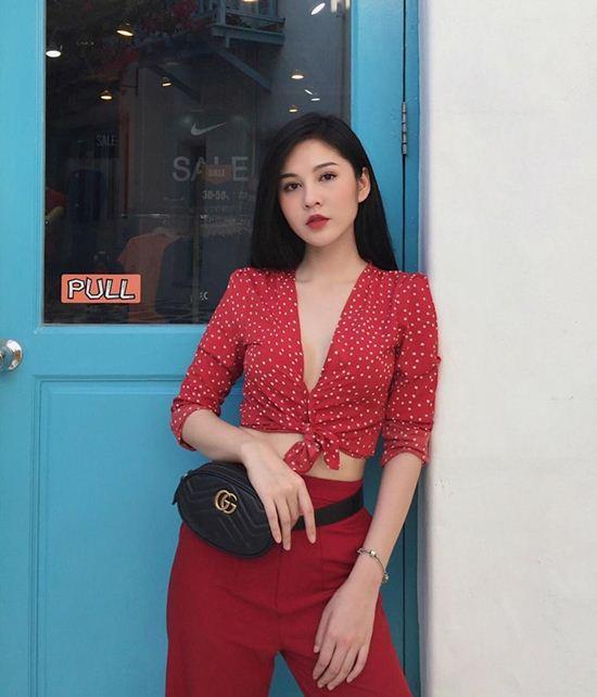 """Thời trang phóng khoáng của MC """"đeo bám"""" HLV Park Hang-Seo - 9"""