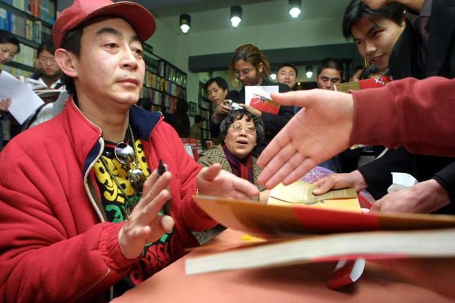Vì sao Lục Tiểu Linh Đồng ngày càng mất uy tín và bị chỉ trích tại Trung Quốc? - 7
