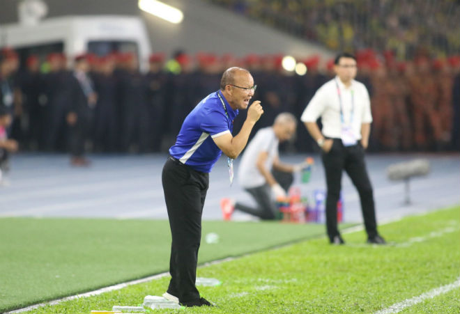 Họp báo ĐT Việt Nam - Malaysia: Thầy Park tự hào dù thủng lưới 2 bàn