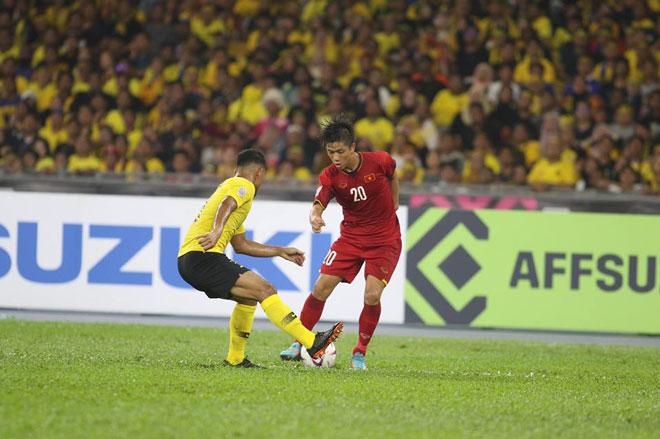 Video, kết quả bóng đá Malaysia - Việt Nam: Tưng bừng siêu phẩm, rượt đuổi kịch tính (Hiệp 1) - 1