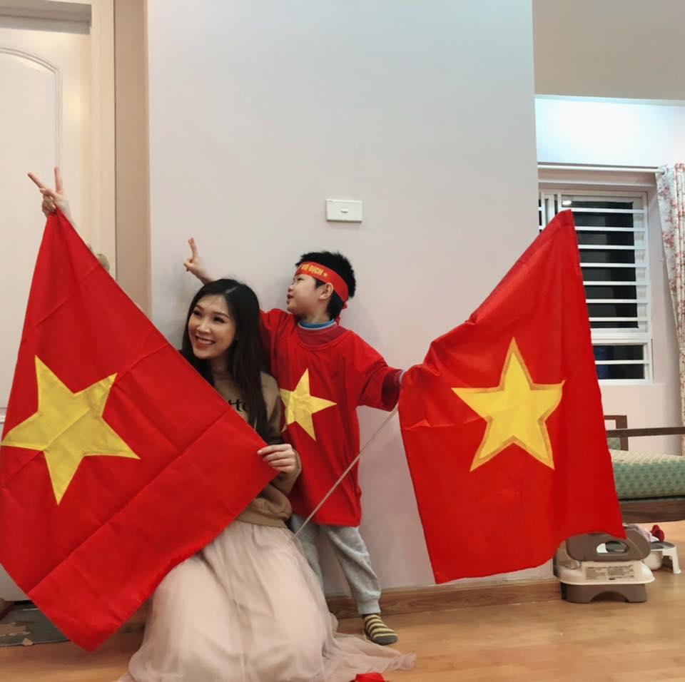 """Huy Hùng nhận thưởng 1 tỷ: Sao Việt """"nhuộm đỏ"""" mạng xã hội - 12"""