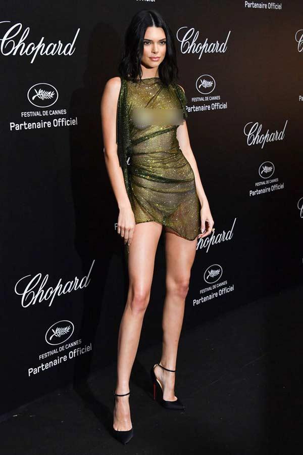 """Đệ nhất hot girl Hollywood gây sốc khi """"thả rông"""" hoàn toàn trên thảm đỏ - 8"""