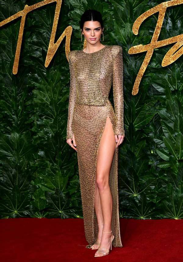 """Đệ nhất hot girl Hollywood gây sốc khi """"thả rông"""" hoàn toàn trên thảm đỏ - 3"""