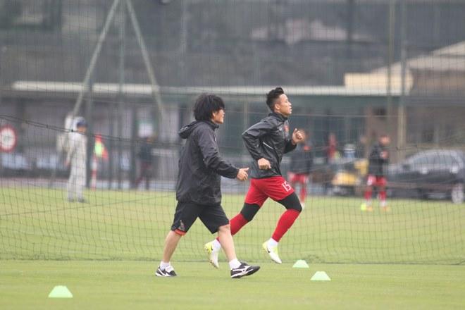 Trực tiếp ĐT Việt Nam tập đấu Malaysia: Chống bóng bổng và đá phạt cố định - 2