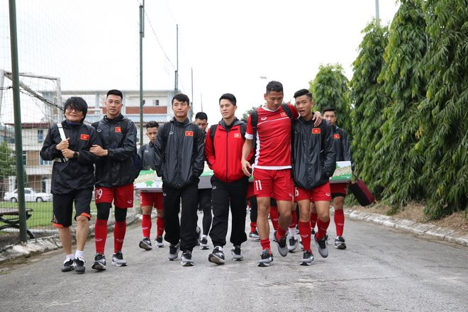 Trực tiếp ĐT Việt Nam tập đấu Malaysia: Chống bóng bổng và đá phạt cố định - 8