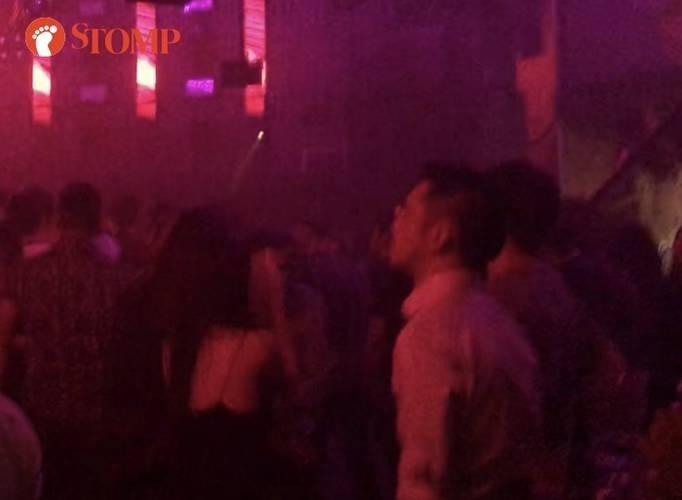 Lần đầu gặp trai lạ ở quán bar Singapore, cô gái Việt không ngừng nhung nhớ, quyết đi tìm-Bạn trẻ - Cuộc sống - Tin tức 24h