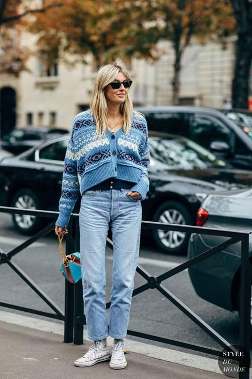 Quên kiểu quần jeans bó giò đi, đây mới là mốt jeans thống trị 2019 - 5