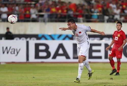 """Anh Đức, Quang Hải, Công Phượng đi 1 đôi giày """"may mắn"""" suốt mùa giải AFF Cup 2018 - 1"""