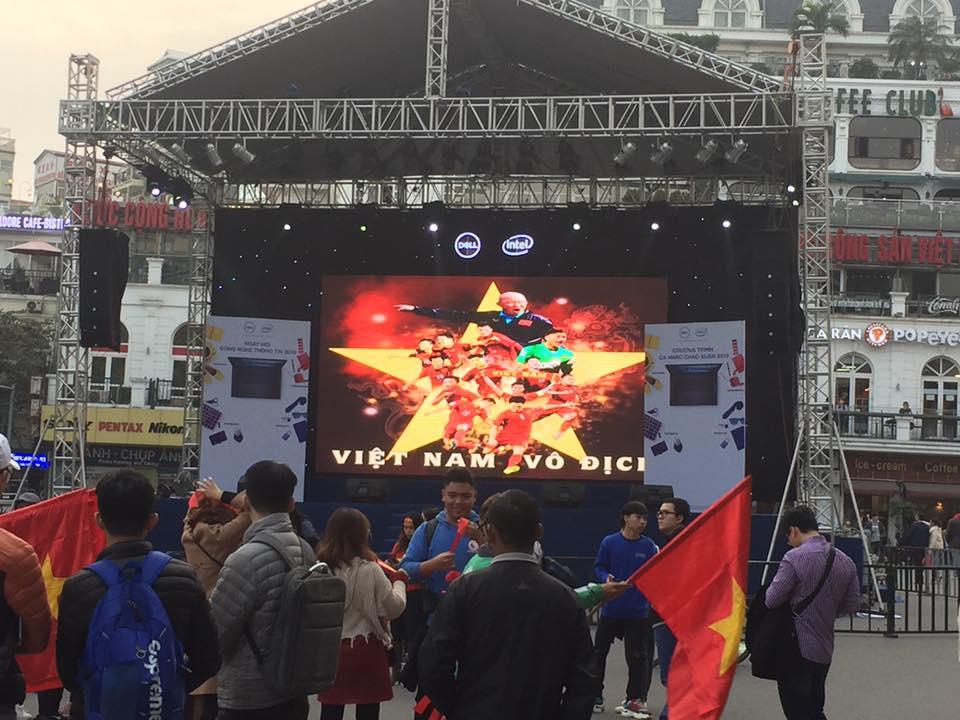 Hình ảnh không thể nào quên trong ngày Việt Nam lên ngôi vô địch AFF Cup 2018 - 8