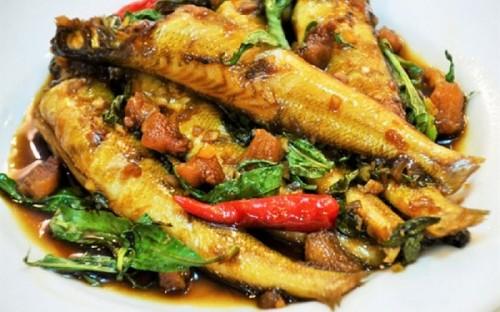 Cá bống đục kho rau răm đậm đà trôi cơm - 3