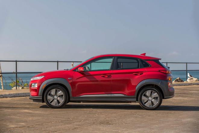 Hyundai Kona bản chạy điện sắp bán ra từ đầu năm sau, giá từ 690 triệu đồng - 2
