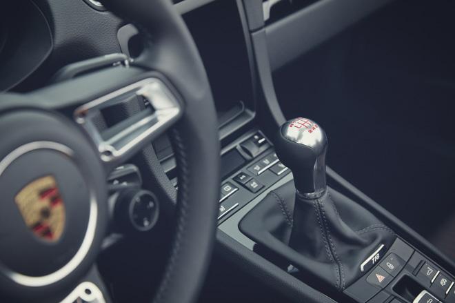 Porsche giới thiệu phiên bản thể thao giá rẻ 718T Cayman và 718T Boxster - 8
