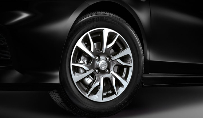 Nissan Sunny bổ sung thêm phiên bản thể thao Sportech - 10