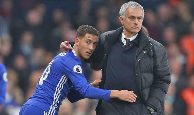 """MU sa thải Mourinho: Lần thứ bao nhiêu bị học trò """"đánh lén""""? - 3"""