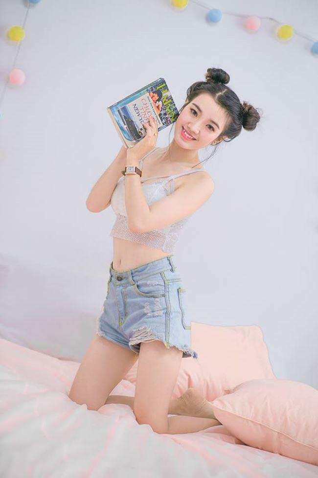 """""""Hot girl mô tô Sài Gòn"""": Mặc váy ngắn ảnh hưởng xấu lúc tham gia giao thông - 7"""