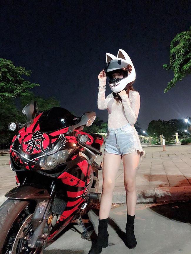 """""""Hot girl mô tô Sài Gòn"""": Mặc váy ngắn ảnh hưởng xấu lúc tham gia giao thông - 3"""